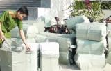 Đức Huệ: Tạm giữ  trên 17.000 gói thuốc lá ngoại nhập lậu