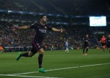 Suarez lập cú đúp, Barcelona đè bẹp Espanyol
