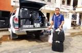 Bắt quả tang ô tô vận chuyển 19.300 gói thuốc lá ngoại nhập lậu