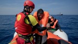 Cứu hơn 500 người trên Địa Trung Hải