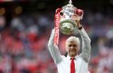 Giải pháp nào cho Arsenal và Wenger?