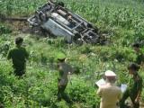 Lào Cai: Xe Innova mất lái, lao xuống vực sâu rồi bốc cháy