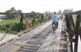Còn 45 cầu sắt, mặt gỗ cần thay thế