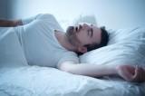Ngủ nướng cuối tuần làm tăng nguy cơ bệnh tim
