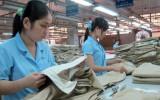 Xuất khẩu dệt may và giày dép mang về 15 tỉ USD trong 5 tháng