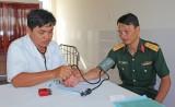 Long An: Khám sức khỏe định kỳ hơn 700 quân nhân quốc phòng