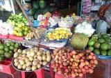 Giá trái cây giảm sâu
