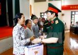 Bộ trưởng Quốc phòng thăm hỏi, tặng quà thương binh, bệnh binh