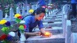 Hát cho đồng đội nghe tại Nghĩa trang Liệt sĩ Quốc gia Trường Sơn