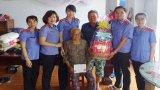 Chi đoàn Viện Kiểm sát Nhân dân tỉnh Long An: Thăm, tặng quà Mẹ Việt Nam Anh hùng