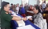 Đức Huệ, Tân Thạnh: Chi trả trợ cấp 1 lần cho 326 đối tượng và thân nhân dân công hỏa tuyến