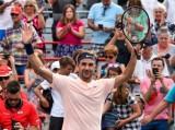 Federer vất vả vào tứ kết Canada mở rộng 2017