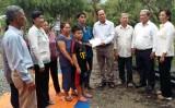 Lãnh đạo UB.MTTQ Việt Nam tỉnh Long An thăm gia đình nạn nhân bị cháy nhà
