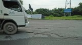 Đoạn tránh Quốc lộ 1 bị bong tróc, lồi, lõm cần nhanh chóng sửa chữa