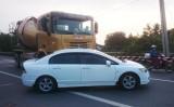 Xe trộn bê tông đâm vào xe du lịch trên Quốc lộ 1