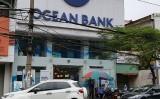 OceanBank Hải Phòng chỉ biết trấn an khách hàng gửi tiền mà không rút được