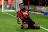 Defoe giúp Bournemouth thắng trận đầu tiên