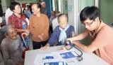 Khám sức khỏe định kỳ cho người cao tuổi