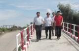 Kiểm tra tiến độ thi công cầu giao thông nông thôn hầu hết cầu được thi công đều đạt chất lượng