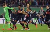 """Bayern Munich nhọc nhằn vượt ải RB Leipzig bằng màn """"đấu súng"""""""