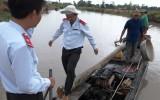 Kiến Tường: Xử lý đối tượng dùng ghe cào bắt cá bằng xung điện