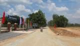 Xây dựng công trình ĐT.838B, huyện Đức Huệ