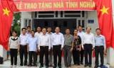 Đảng ủy khối Các cơ quan tỉnh Long An trao nhà tình nghĩa cho gia đình chính sách