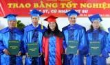 396 học viên Cao học, sinh viên Đại học KTCN Long An nhận bằng tốt nghiệp