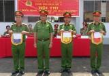 Hội thi Điều lệnh Công an nhân dân - Đội Công an huyện Vĩnh Hưng đoạt giải nhất