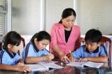 Cô giáo vùng biên giàu tình thương yêu học sinh