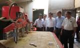 Ứng dụng máy chạm khắc tự động vào sản xuất gỗ mỹ nghệ