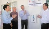 Trao tặng hệ thống lọc nước sạch cho huyện Tân Trụ