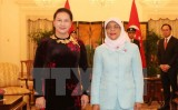 Chủ tịch Quốc hội Nguyễn Thị Kim Ngân hội kiến Tổng thống Singapore