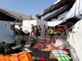 Quảng Ninh: Lốc xoáy bất ngờ khiến 60 gian hàng hội chợ sập đổ