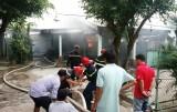 Cháy quán ăn 3 Cây Dừa