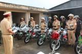 Cảnh sát giao thông thi đua thực hiện Sáu điều Bác Hồ dạy