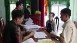Kiến Tường: Chi trả chế độ cho 100 đối tượng theo Quyết định 49 của Thủ tướng