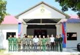 Đoàn cán bộ huyện Cần Đước dự lễ khánh thành Chi khu quân sự Ba Phnom