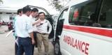 Tặng 2 xe cứu thương cho Bệnh viện Đa khoa khu vực Cần Giuộc