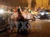 Vùng biển Bình Thuận-Cà Mau tiếp tục mưa dông mạnh, đề phòng lốc xoáy