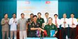 BCH Quân sự huyện Thủ Thừa và Chi khu Quân sự Svay Anto tăng cường mối đoàn kết hữu nghị
