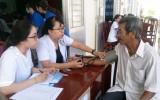 Kiến Tường: Sở Y tế TP.HCM khám bệnh miễn phí cho người nghèo