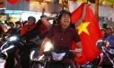 Người hâm mộ Long An reo hò mừng chiến thắng của U23 Việt Nam
