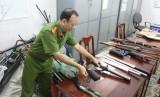 Quản lý vũ khí, vật liệu nổ và công cụ hỗ trợ