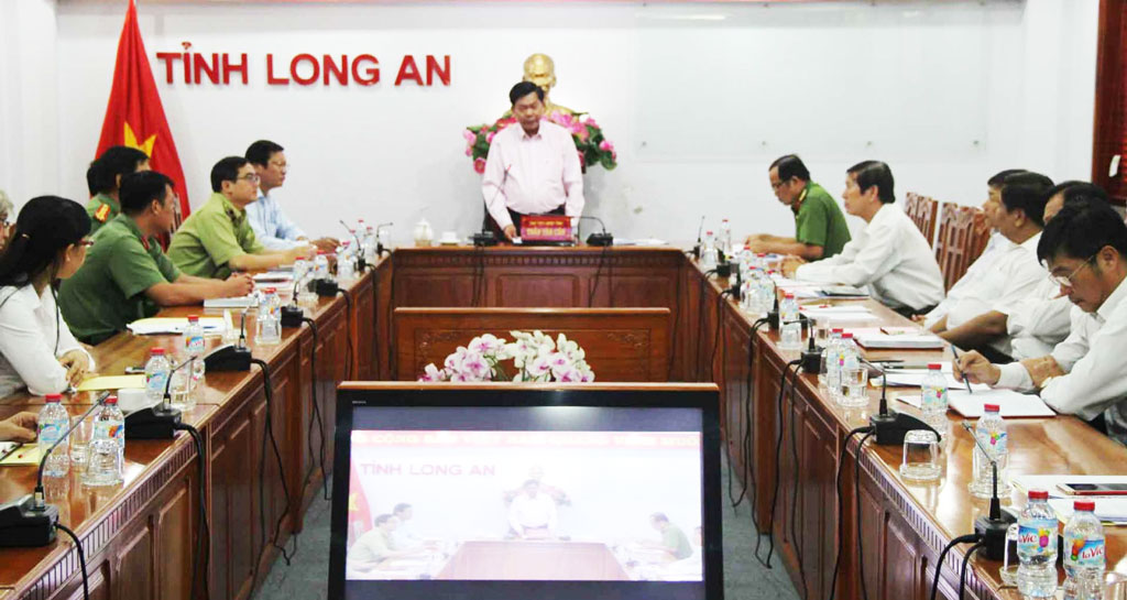 Chairman of Long An province People's Committee Tran Van Can states at the online conference