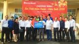 Sacombank chi nhánh Long An hỗ trợ trên 100 triệu đồng tặng quà tết