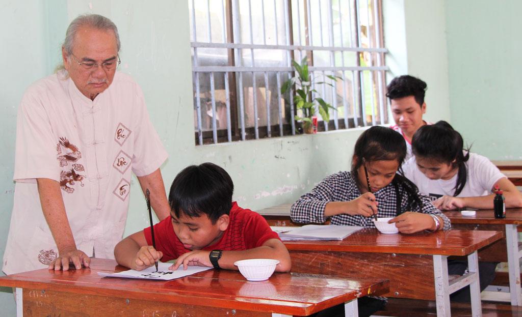Các em tham gia lớp học từ 3-4 tháng là có thể viết thành thạo
