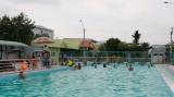 Hồ bơi Trung tâm Văn hóa - Thể thao huyện Thủ Thừa: Nơi vui chơi, rèn luyện thể lực cho trẻ em