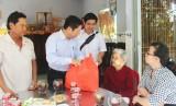 Thứ trưởng Bộ LĐ-TB&XH - Lê Tấn Dũng thăm, tặng quà tết gia đình chính sách và hộ nghèo ở Long An