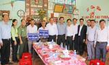 Phó Thủ tướng Thường trực Chính phủ trao nhà tình nghĩa, tặng quà tết cho hộ nghèo tại Long An